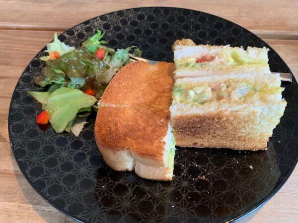 エビとアボカドのサンドウィッチ/サンドイッチ