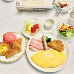 【ディズニー】ランドホテルの朝食をルームサービスに変更する方法とメニュー内容まとめ!